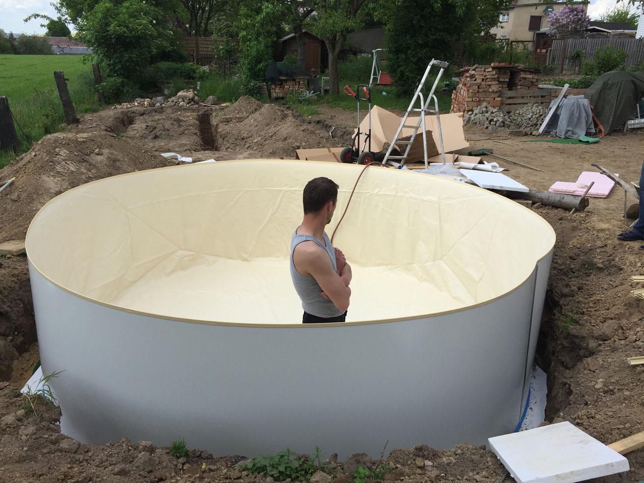 Pool selber aufbauen for Pool mit folie auskleiden