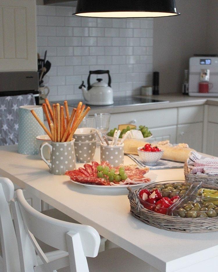 cottage-style-küche-villa-apfelbaum